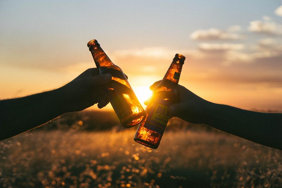 ραντεβού με αλκοολικό dating με σημάδια γυαλιού Libbey